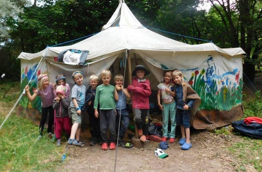 Abschied vom Waldkindergarten: Die künftigen Schulkinder übernachteten gemeinsam in einer Jurte im ...