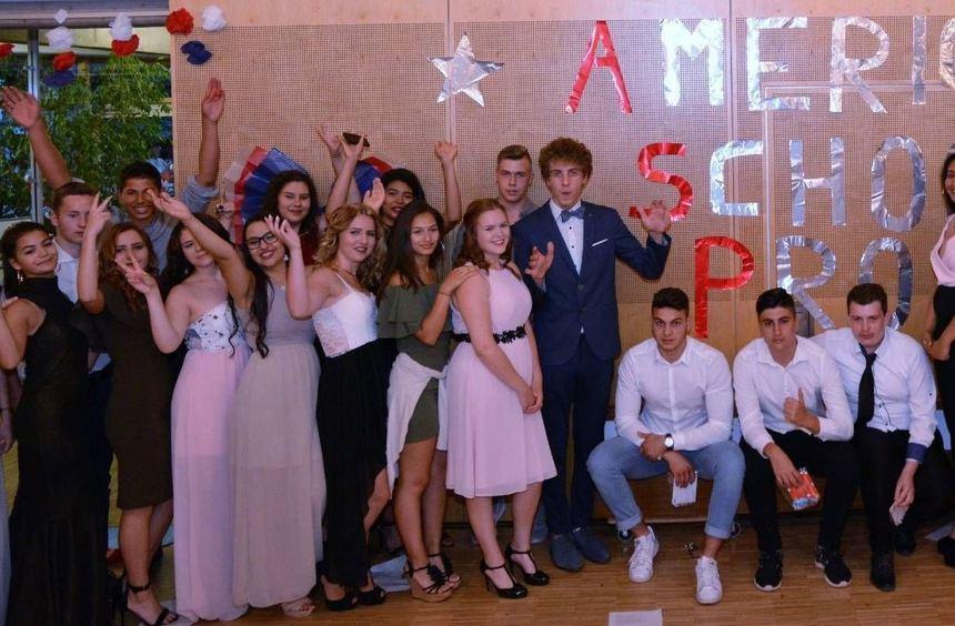 32 Schüler der Theodor-Heuss-Grund- und Werkrealschule haben es geschafft: Sie feiern nach neun ...