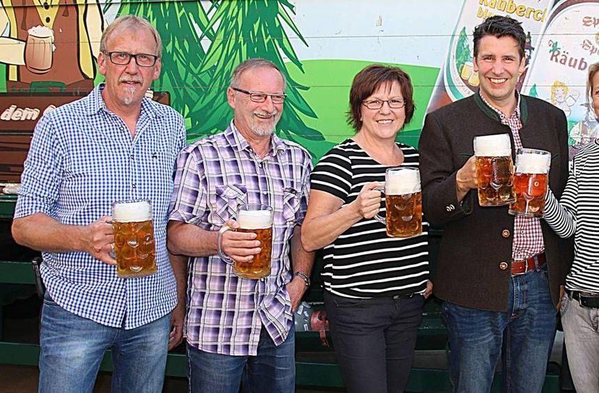 Bei der Bierprobe zum Heimat- und Quätschichfest fiel noch keine Entscheidung, welcher Gerstensaft ...