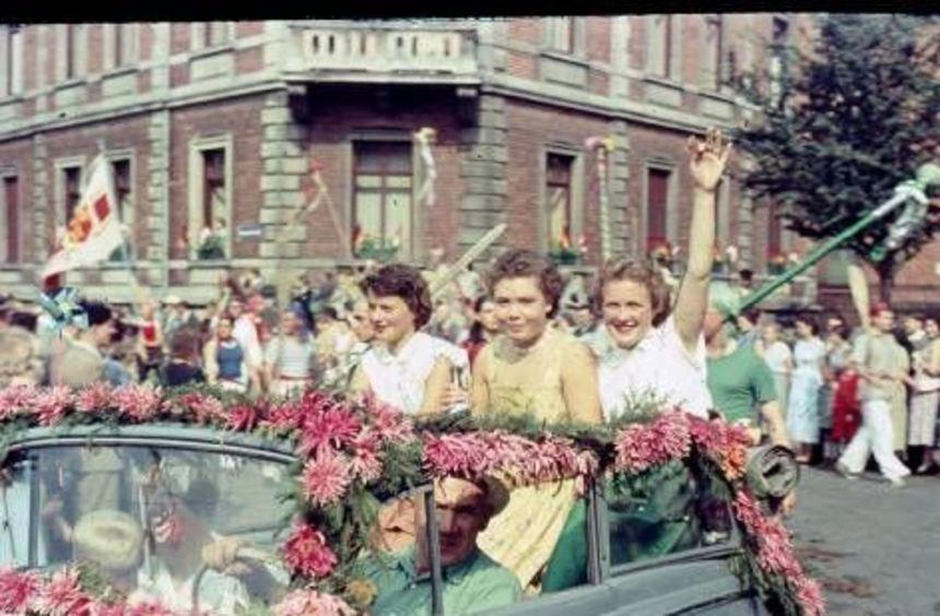 Die Ausstellung blickt zurück auf die Feste 1955 und 1956.