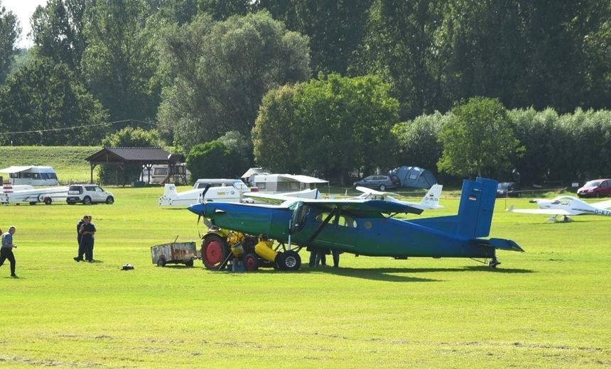 Flugzeug Kollidiert In Hockenheim Mit Traktor Schwetzinger Zeitung