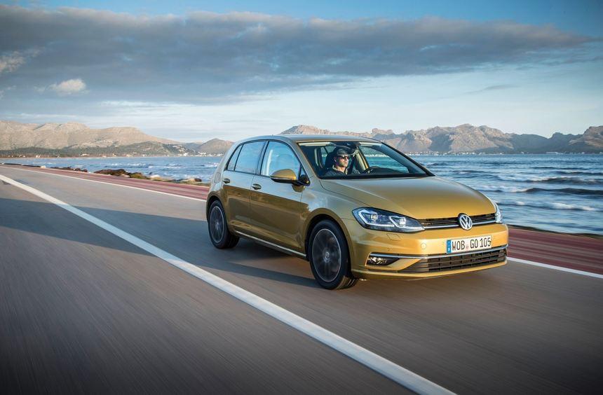 mid Groß-Gerau - Der überarbeitete Golf mit dem neuen Vierzylinder-Hightech-Turbobenziner.