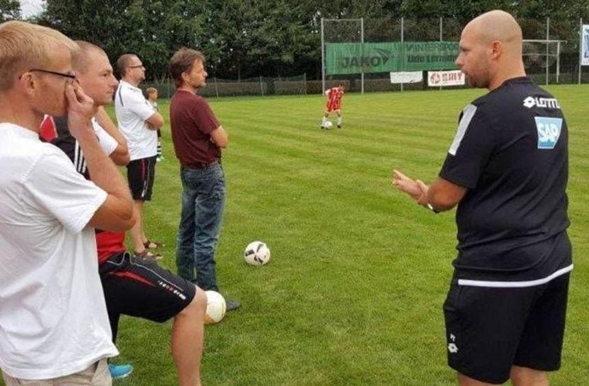 Paul Tolasz leitete in Nassig eine Fortbildung für Jugendtrainer.