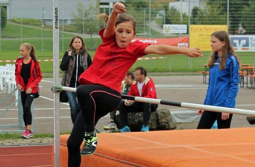 Faina Hofmann verbesserte den Vereinsrekord im Hochsprung um neun Zentimeter und gewann auch im ...