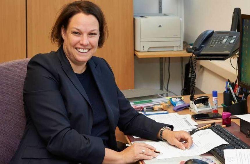 Die Rektorin der Schule in den Weschnitzauen: Nicole Skubella.