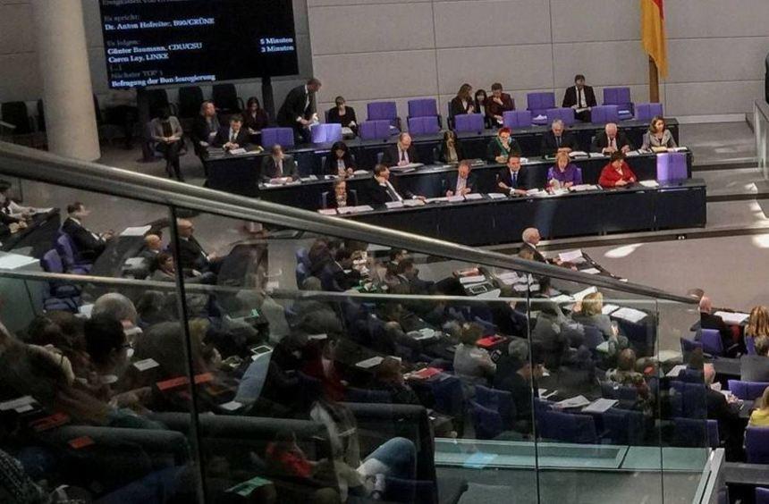 Für die Veröffentlichung besonderer Einnahmen gelten die Verhaltensregeln des Bundestags - doch ...