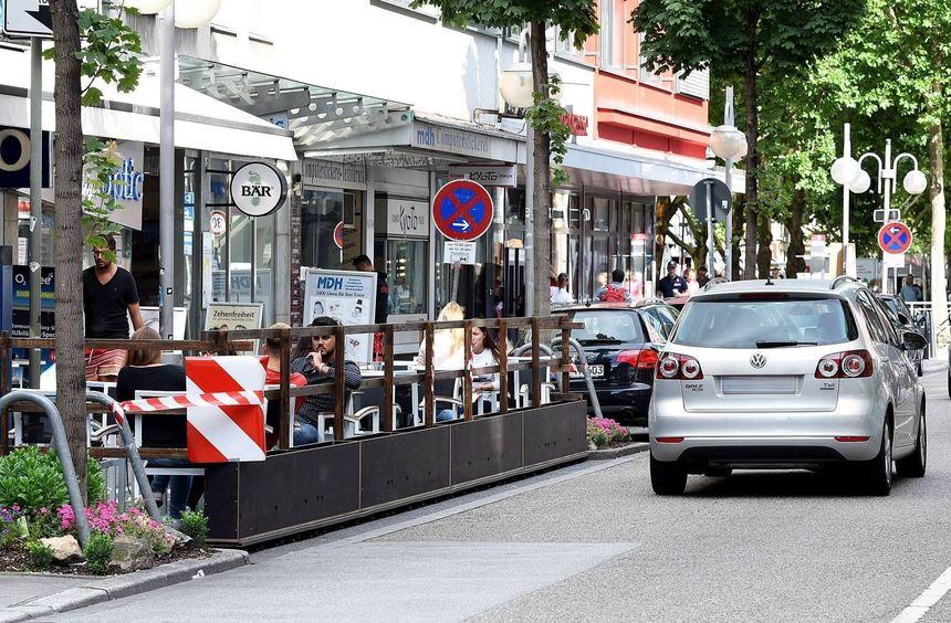 Ein einziges Café nutzt die neue Regelung bislang, das Boland's in der Kunststraße. Hier sind durch ...