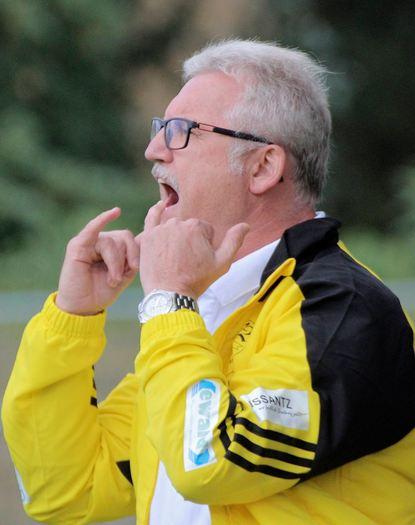 Gartenstadts Trainer Reiner Hollich glaubt nicht, dass der VfB oben angreifen kann.