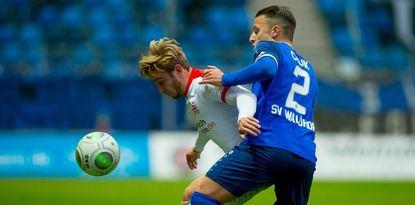 Mete Celik (rechts), hier im Zweikampf mit Kassels Jan Erik Leinhos, wurde in der 71. Minute ...