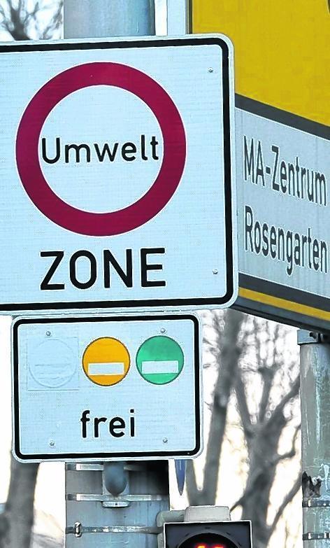 Nur noch Autos mit gelber und grüner Plakette haben freie Fahrt.