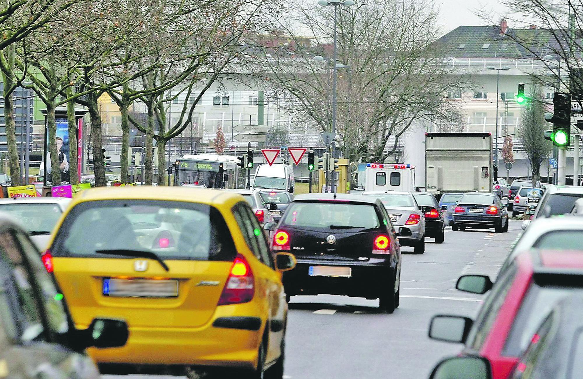 Der Autoverkehr wird als Hauptursache für die hohe Stickoxidbelastung in der Heinigstraße eingestuft.
