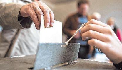 Bürgerentscheide und Wahlen sind Grundpfeiler der Demokratie. Doch nicht jeder nimmt das Recht, ...
