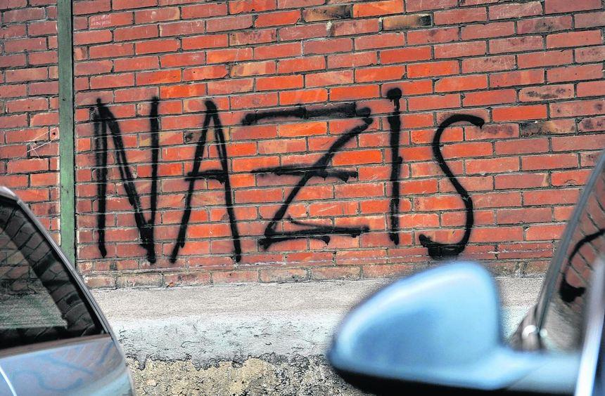 Die demokratischen Parteien Hessens haben sich für eine stärkere Kontrolle des Verfassungsschutzes ...