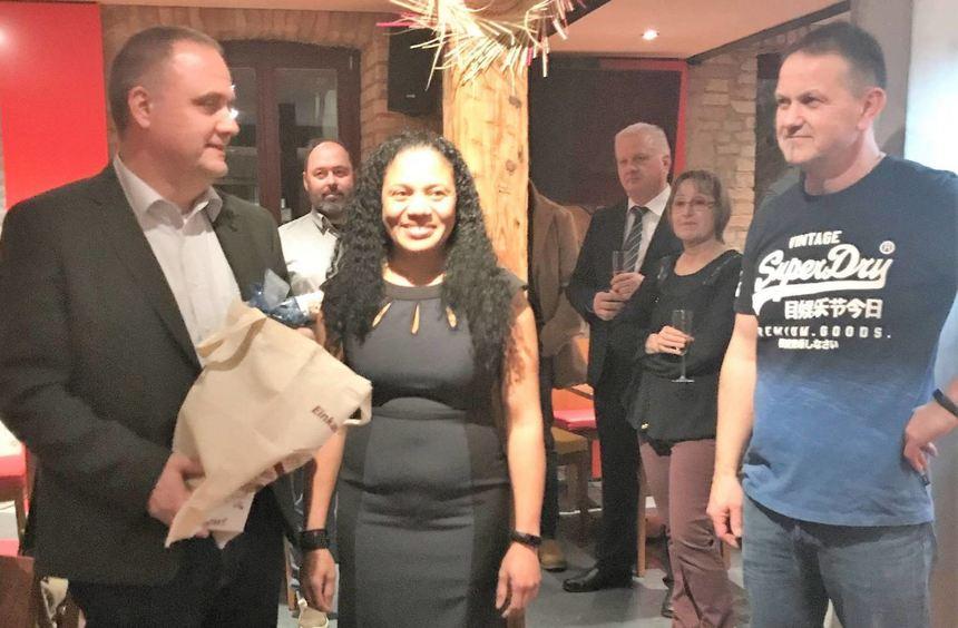 Echtes Karibik Flair In Der Neuen Cafe Bar Bruhrainer Zeitung