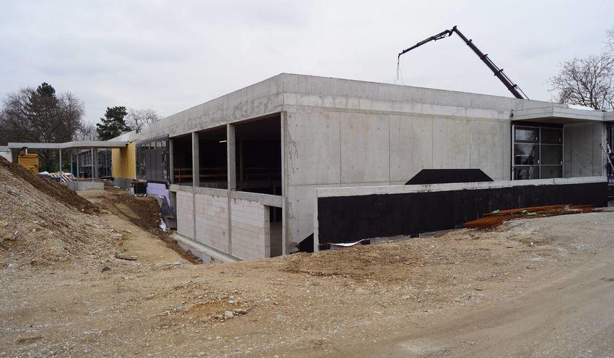 Seit 2017 im Bau: die umstrittene Kindereinrichtung der ActiveKid GmbH in der Hans-Thoma-Straße.