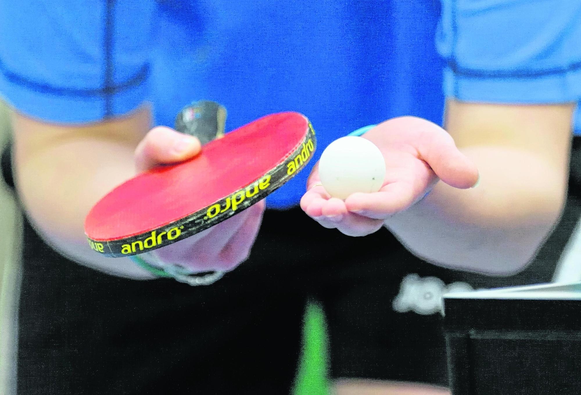 Die erste Jugendmannschaft in der Tischtennis-Abteilung hat gegen MTG Mannheim gewonnen, die zweite Jugendmannschaft spielte in Ladenburg unentschieden.