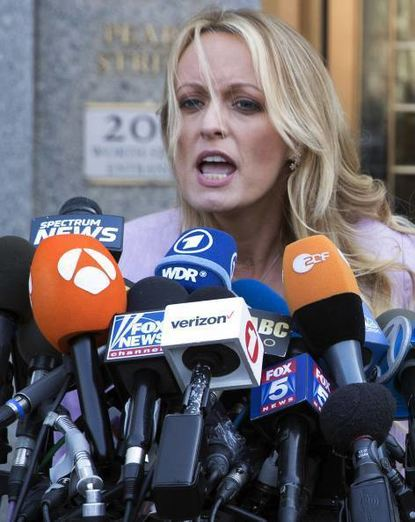 Pornodarstellerin Stormy Daniels in New York vor Journalisten