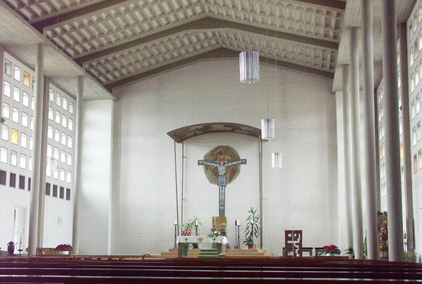 Bis Mitte 2016 – bis zum Umzug der Sakristei und des Ostkirchlichen Zentrums – sah der Kirchraum ...
