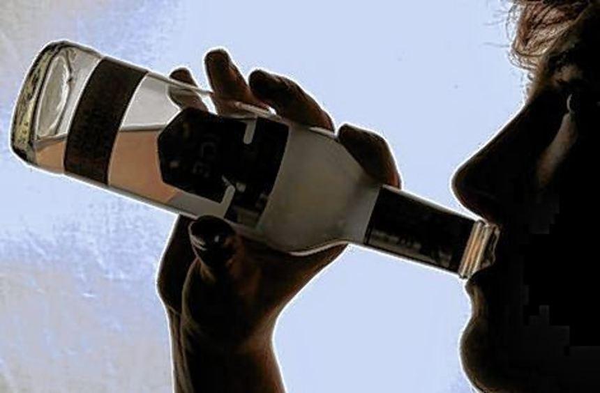 Für Jugendliche hat Alkohol einen hohen Reiz.
