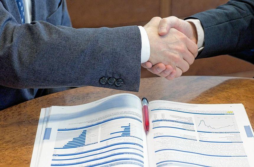 Honorarberater sollten eine Bankausbildung oder ein Studium im Finanz- und Wirtschaftsbereich sowie ...