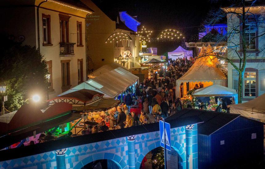 Wo Ist Weihnachtsmarkt Heute.Blauer Weihnachtsmarkt öffnet Heute Seine Pforten Bergsträßer Anzeiger