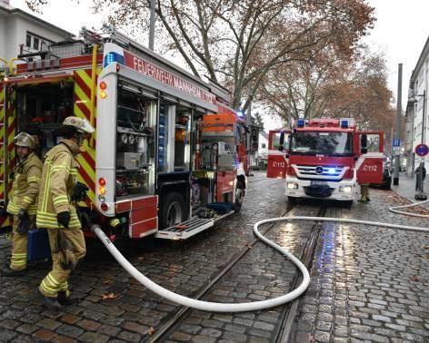 Gestern rückte die Feuerwehr zu einem Brand in Neuostheim aus.