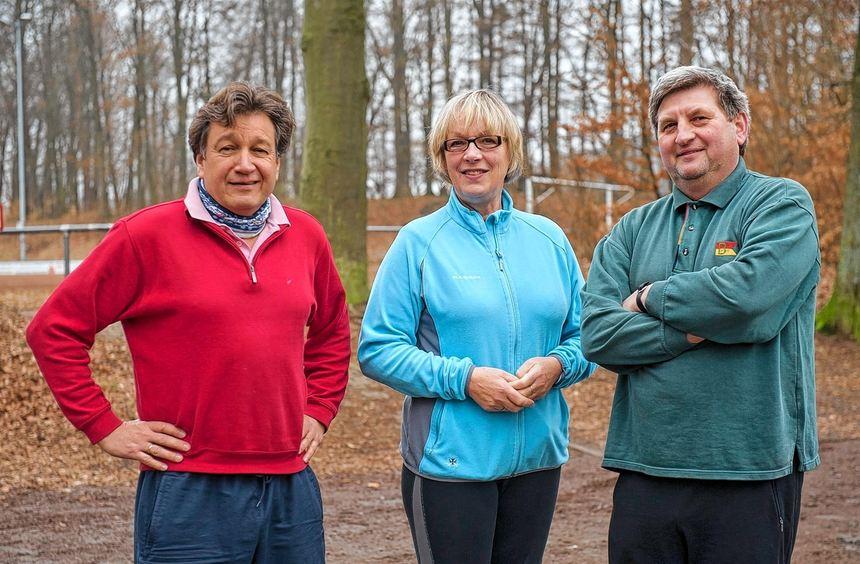Die gute Laune ist (v. li.) Horst Saemann, Dorothea Vatter und Norbert Koller noch nicht vergangen. ...