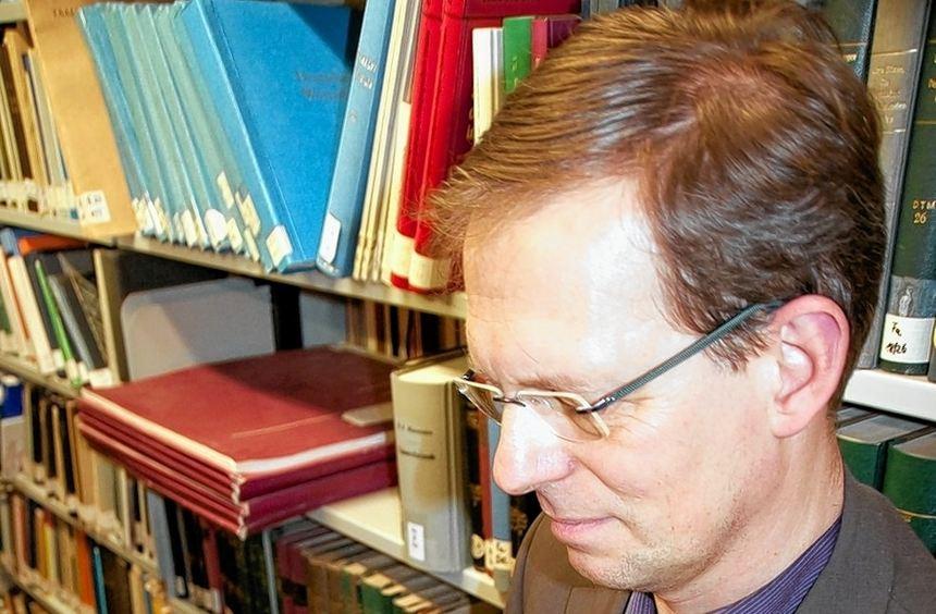 """Der Teufel konnte sowohl Höllenfürst als auch Hanswurst sein: Jörn Bockmann untersucht """"Figuren des ..."""