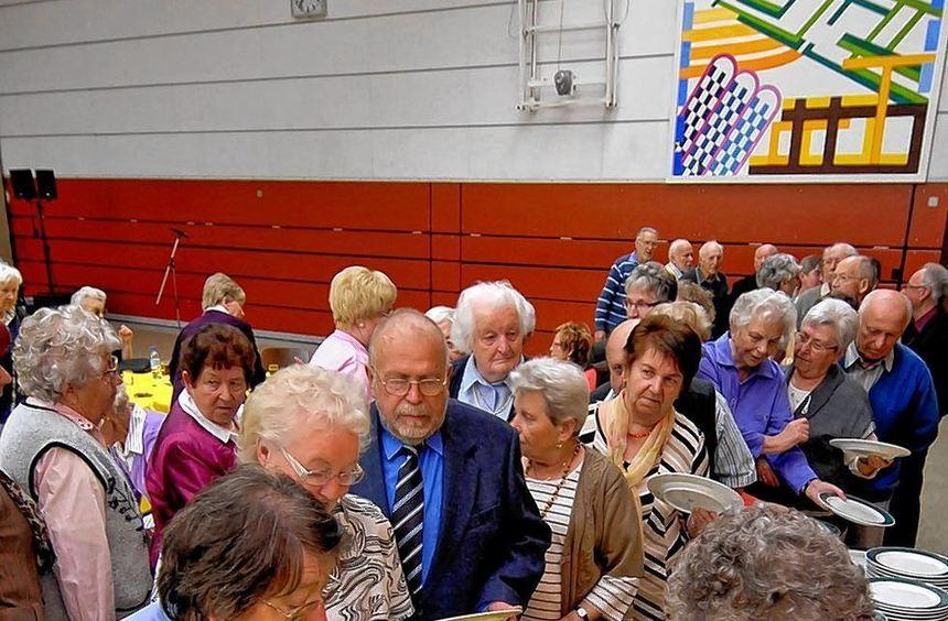 Zum Frühlingsfest waren viele Lautertaler Senioren in die Lautertalhalle gekommen - und sie ließen ...