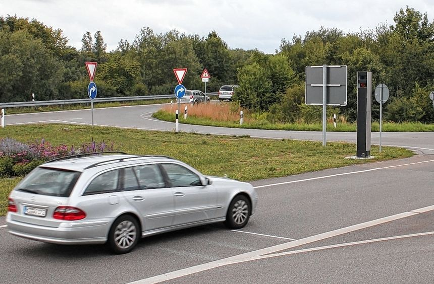 Rasern auf der Spur sind in Viernheim stationäre Geschwindigkeitsmessanlagen - wie in der ...