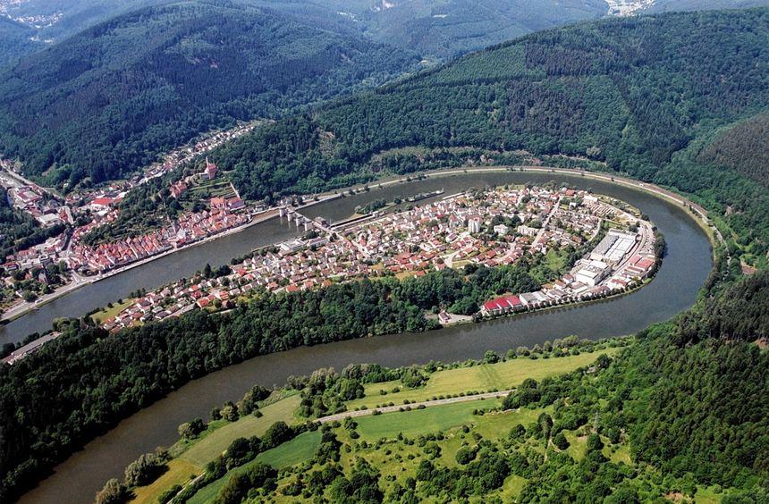 """Die Neckarschleife bei Hirschhorn - auch hierhin führt das Buch """"Wanderungen zwischen Bergstraße ..."""