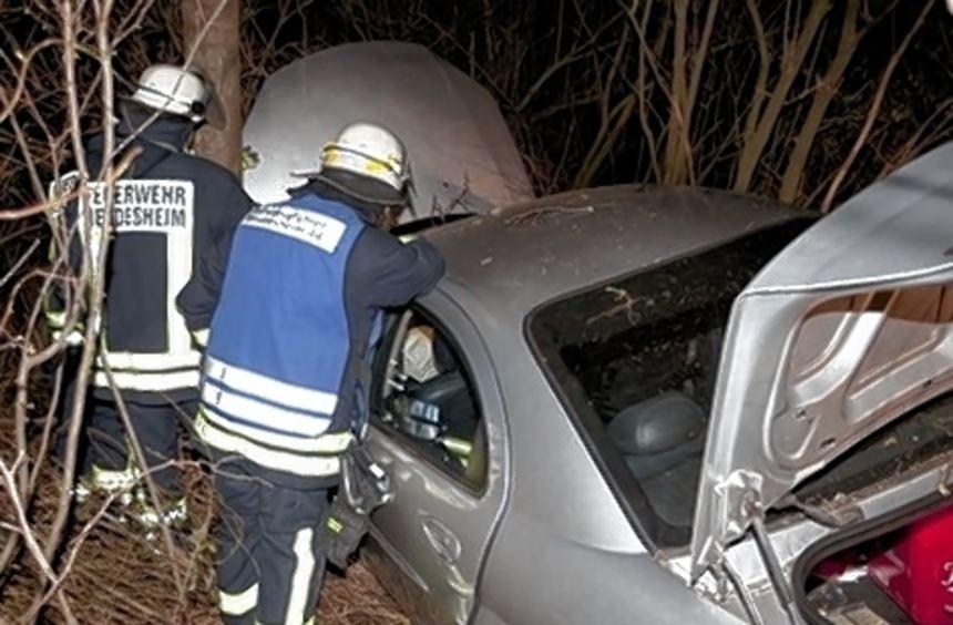 Eine 32-Jährige kam in Höhe des Heddesheimer Golfplatzes unter Alkoholeinfluss von der Fahrbahn ab. ...