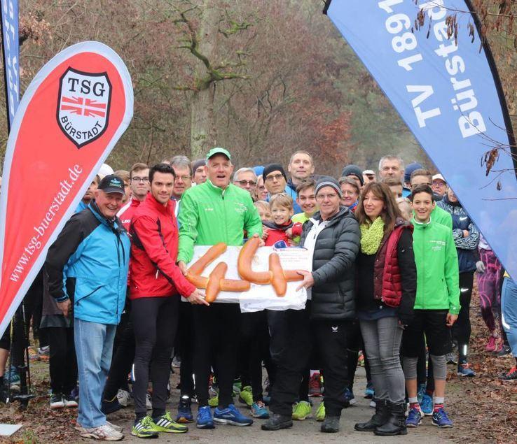 Zum 44. Mal geht der Silvesterlauf in Bürstadt über die Bühne. Auch Stadtlauf-Moderatorin Kerstin ...
