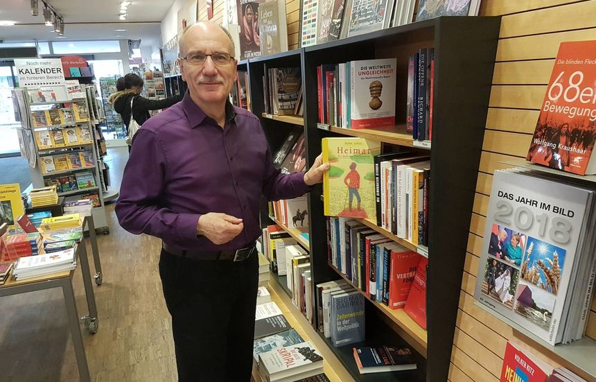"Rainer Moritz, Inhaber der Bad Mergentheimer Buchhandlung ""Moritz & Lux"" in seinem Laden am ..."
