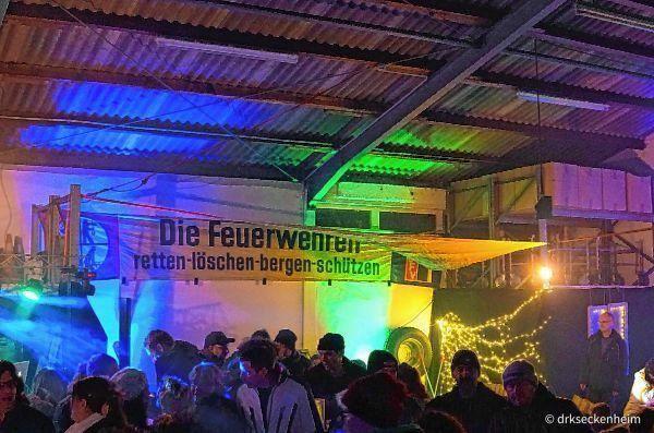 """Großen Andrangs erfreut sich trotz schlechten Wetters der erste gemeinsame """"Seggema Winterzauber"""" ..."""