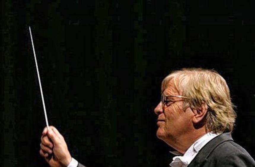 Justus Frantz und die Philharmonie der Nationen gastieren.