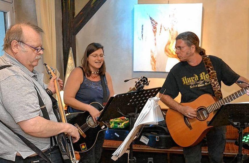 """""""Wir machen Musik, weil es uns Freude macht"""", sagen Peter Geissler, Bettina Kornmeyer und Patrick ..."""
