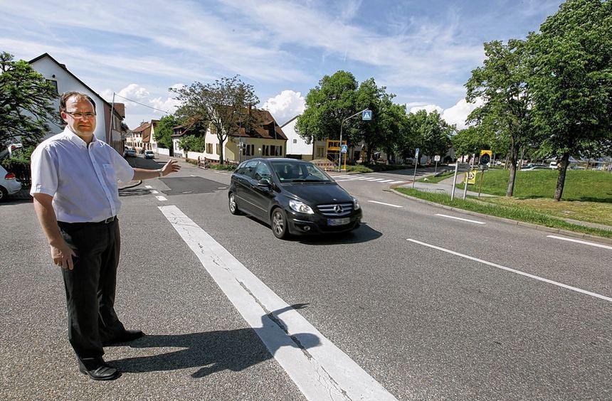Um Raser auszubremsen hatte die CDU einen Antrag zum Bau eines Kreisels an der Kreuzung St. Leoner ...