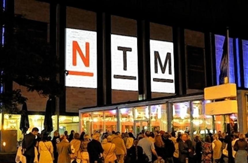 """""""Nicht schon wieder ein neues Logo"""": Stadträte zur Theaterführung."""