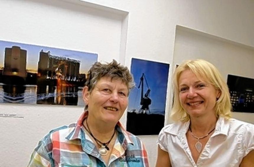 Elsa Hennseler-Etté stellt im Reisebüro von Lucie Brandl aus.
