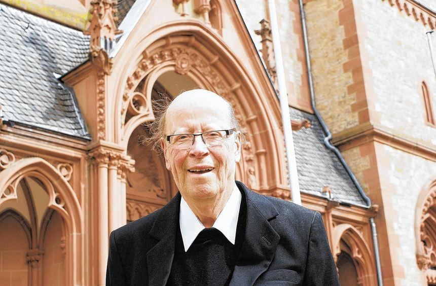 Aus ganzem Herzen Seelsorger: Pfarrer in Rente Klaus Allendorf feierte am gestrigen Donnerstag in ...
