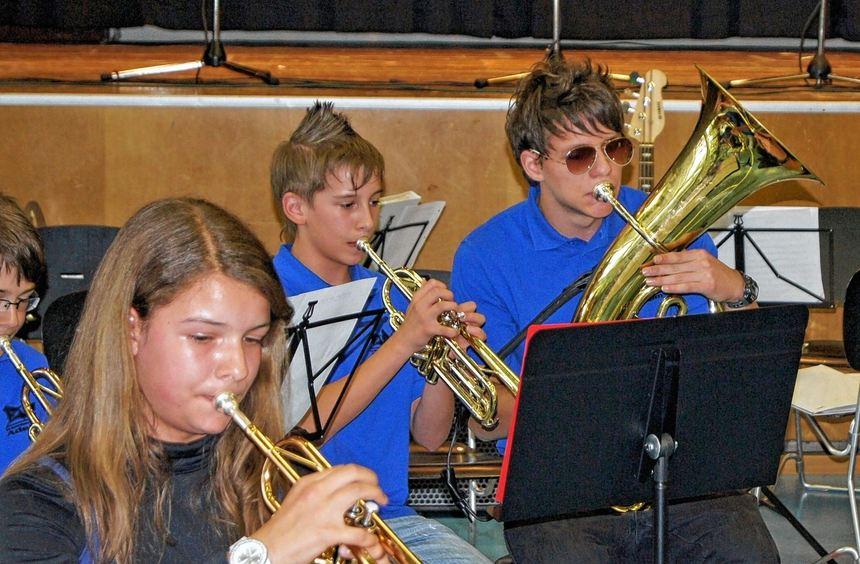 Unterschiedliche Ensembles zeigten beim Frühlingskonzert des Eckenberg-Gymnasiums Musikbeiträge ...