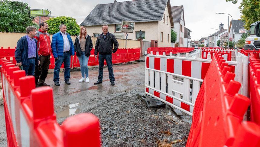 Die Sanierung der Rohrheimer Straße in Schwanheim führt bei den ortsansässigen Geschäften zu ...