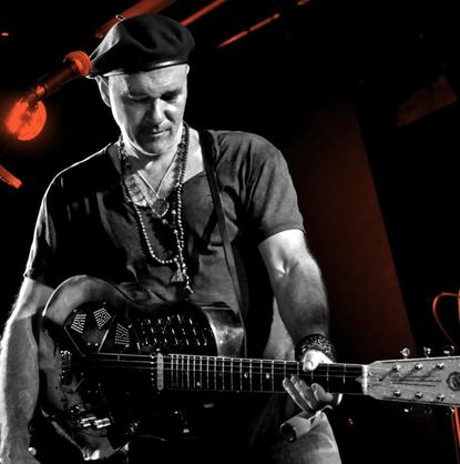 "Peter Karp, ""die Blues-Sensation aus Nashville"", gastiert am Donnerstag im Theater Mobile in ..."