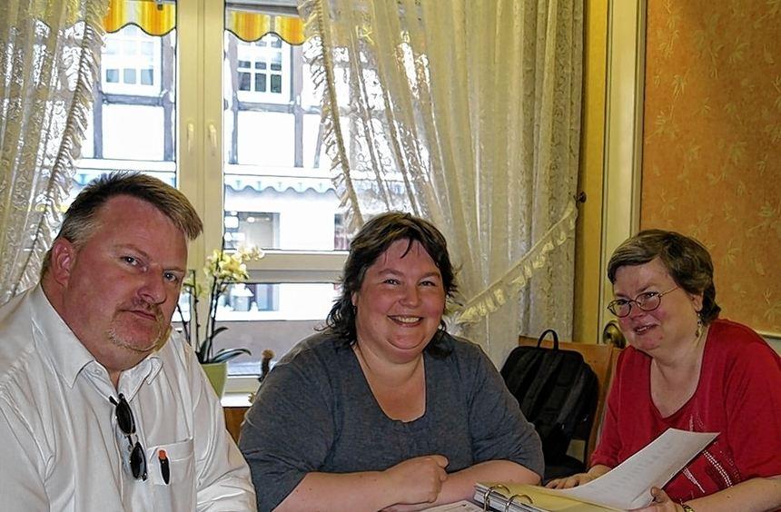 Jörg Schoof, Sabine Schramek und Bärbel Stumpf leiten den jungen Verein.