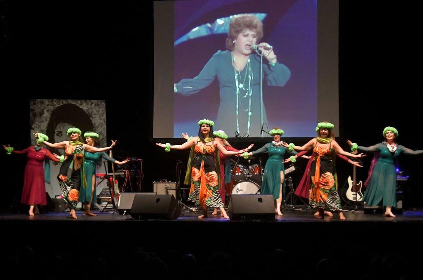 Das Tanzensemble Samira B. Karg trat ebenfalls auf.