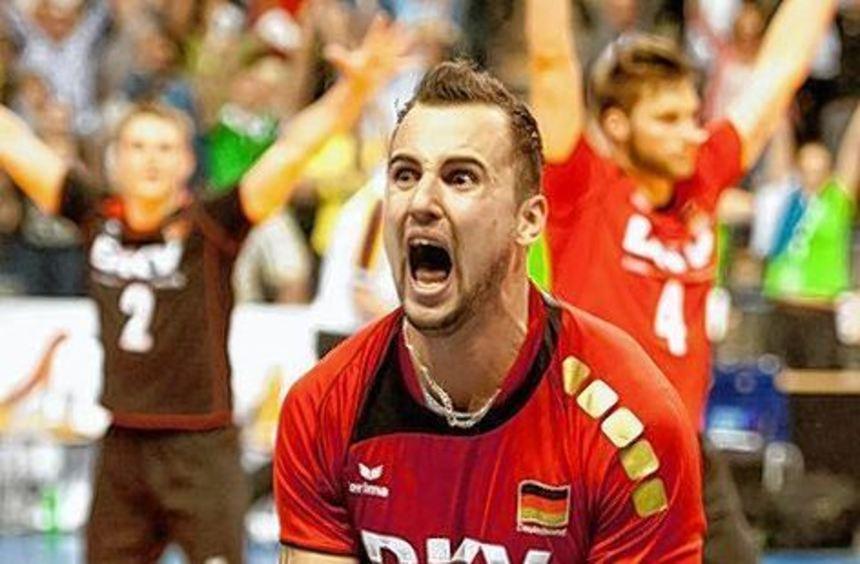 Georg Grozer schreit die Freude über die Olympia-Qualifikation heraus.