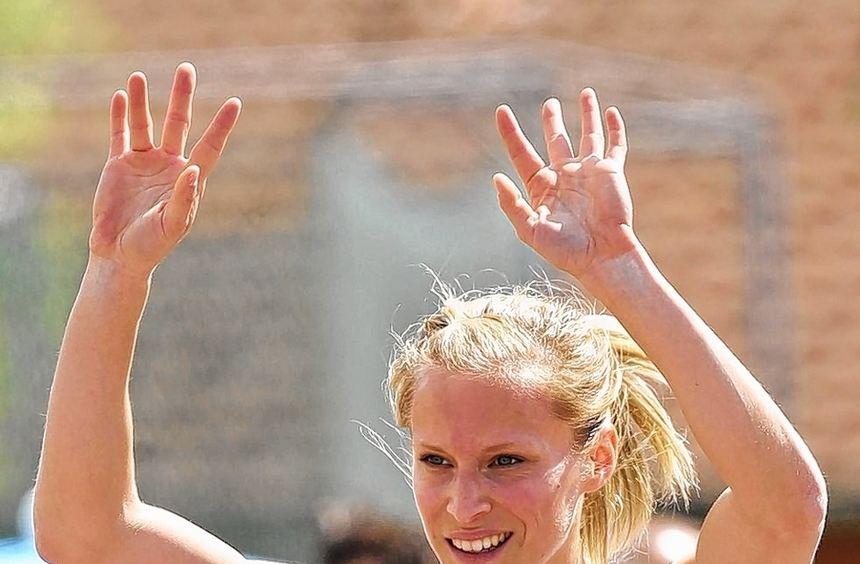 Erleichtert und überglücklich: Verena Sailer hat beim Olympia-Test im heimischen MTG-Stadion die ...