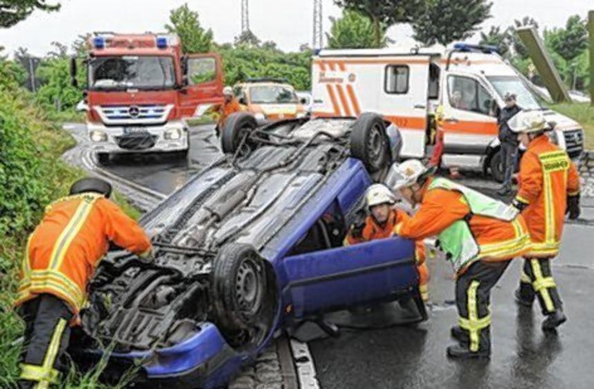 Die Fahrerin dieses Toyota überstand den Unfall fast unverletzt.
