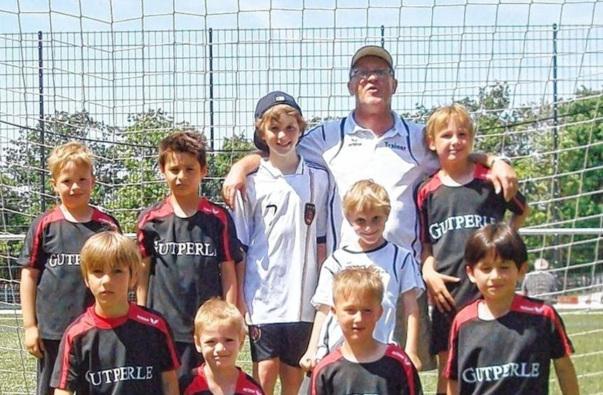 Einfach nicht zu schlagen: Die F3-Junioren des TSV Amicitia treten beim Turnier in Eppingen fünfmal ...